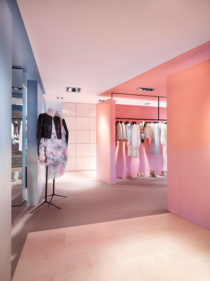 Pop-up-бутик Chanel в Куршевеле (фото 11)