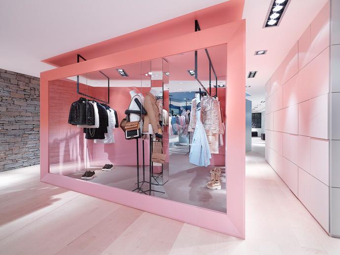 Pop-up-бутик Chanel в Куршевеле (фото 4)