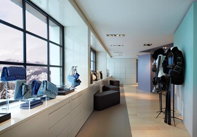 Pop-up-бутик Chanel в Куршевеле (фото 2)