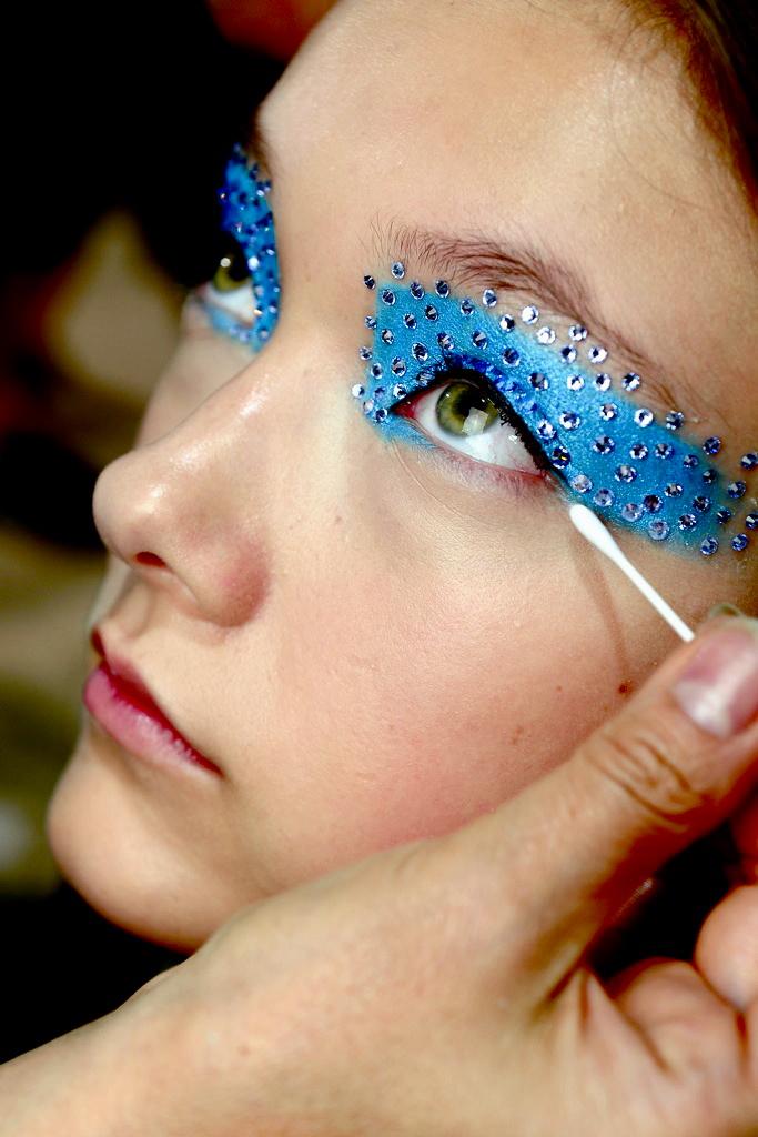 камина мозаикой макияж глаз аквагримом фото обеспечить для себя