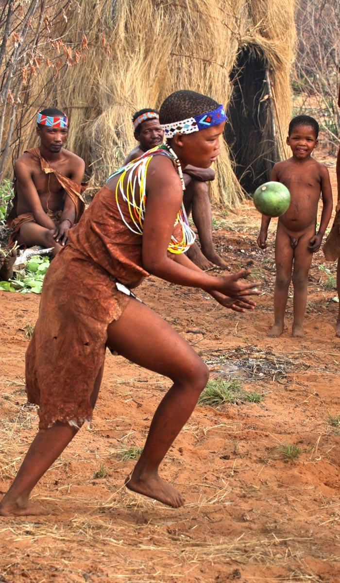 Реальные африканки из какого-то племени в Гвинее