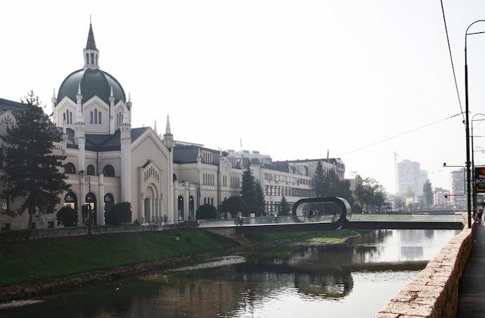 Мост-петля в Сараево (фото 1)