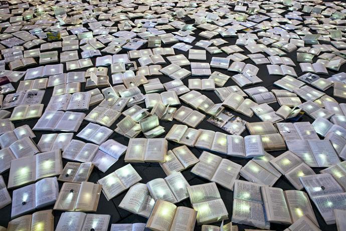Тысячи книг на дорогах Мельбурна (фото 12)