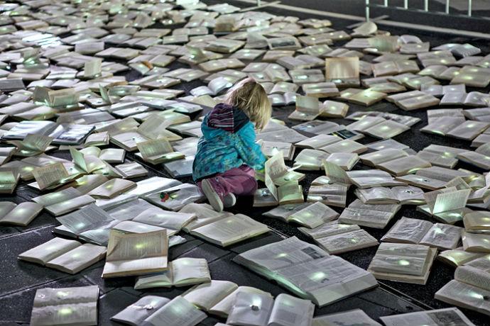 Тысячи книг на дорогах Мельбурна (фото 9)