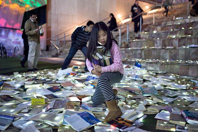 Тысячи книг на дорогах Мельбурна (фото 4)