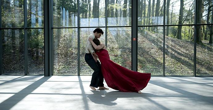 Топ-10 песен из культовых фильмов про танцы (фото 1)