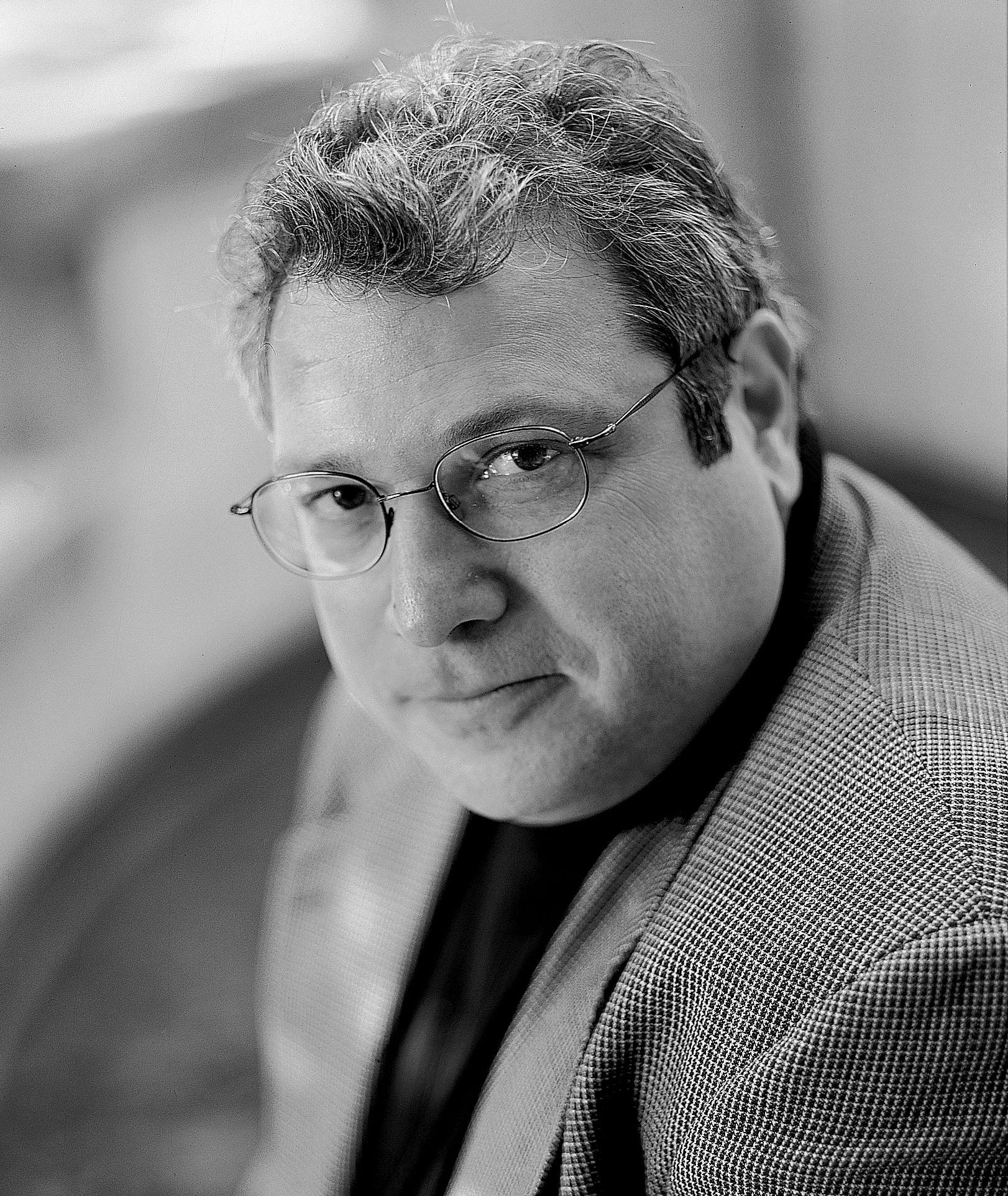 """robert kagan essay Denial is a robert kagan column and i have had great respect for robert kagan i thought his """"on power and paradise"""" essay outstanding in its analysis of."""
