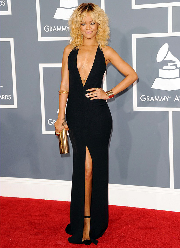 Look of the Day: Рианна на Grammy Awards