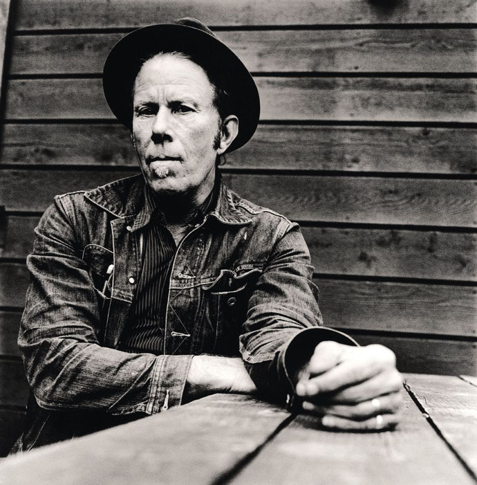 Tom Waits: Hell Broke Luce