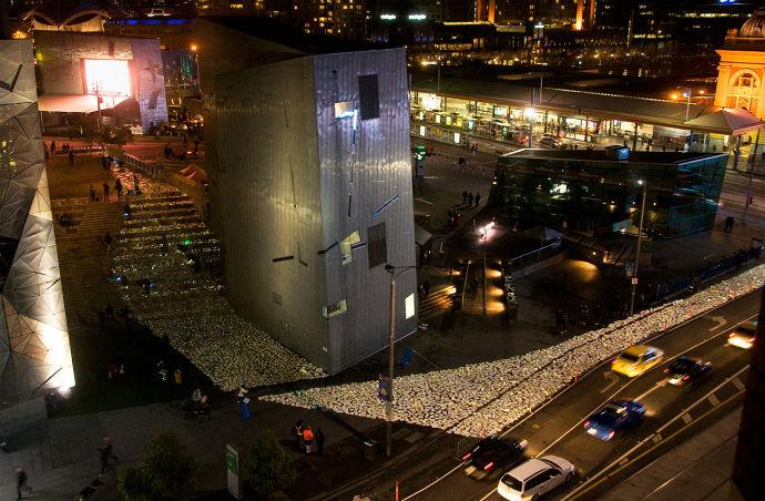 Тысячи книг на дорогах Мельбурна (фото 1)