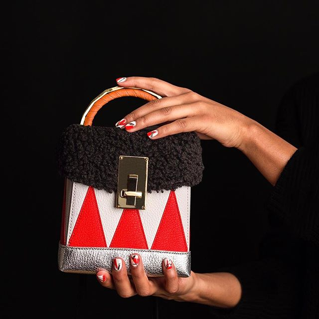 Sometimes big ideas come from small bags. Case in point: Why not match your nail polish to your favorite purse? @thevolon #theVOLON #MRPartner (link in bio)