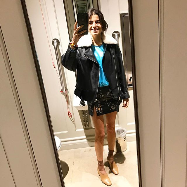 More adventures in mirror selfies: I do blv this is the shortest skirt I have ever worn (withstanding the absolute absence of pants, see summer 2016) @topshop #MRPartner (I am here to host a dinner with them! It is Leandra btw! Don't tell Harling I'm here!)