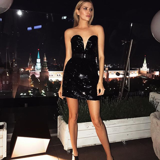 Party after party   #музтв2017 love my #ysl dress from @tsum_moscow