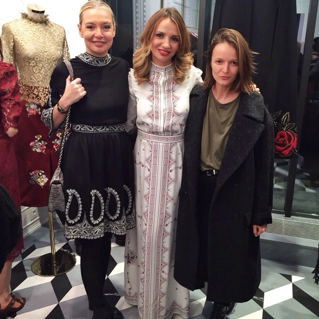 Conrats @vilshenko_official with @voguerussia crew #Victoria and  #Olga