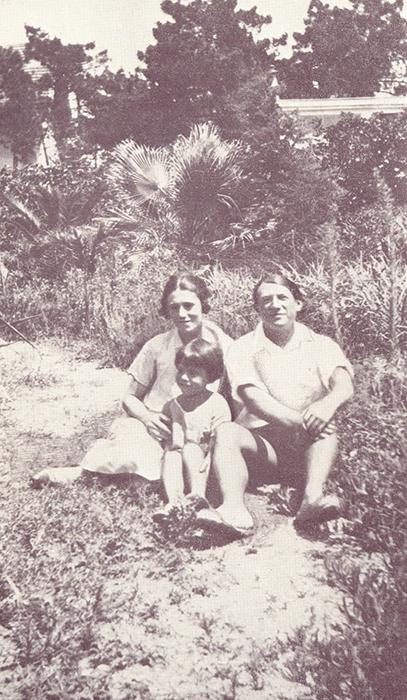 Ольга Хохлова, Пабло Пикассо и Пауло Пикассо. 1923