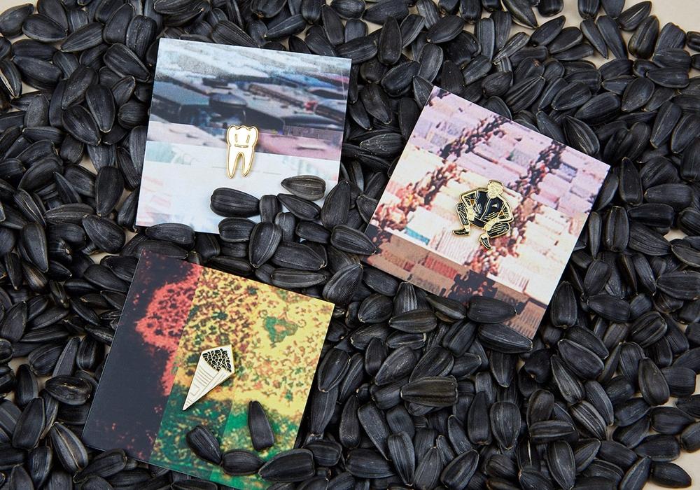 Heart ofMoscow выпустил коллекцию значков о90-х в столицеРФ