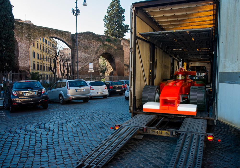 Scuderia Ferrari Truck (2005)