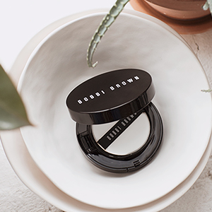 Кушон Skin Foundation Cushion Compact SPF 35 от Bobbi Brown — выбор Buro 24/7