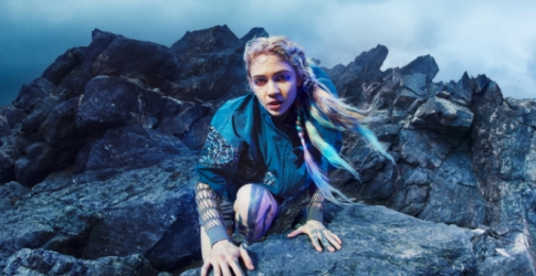 Grimes стала героиней новой кампании adidas by Stella McCartney