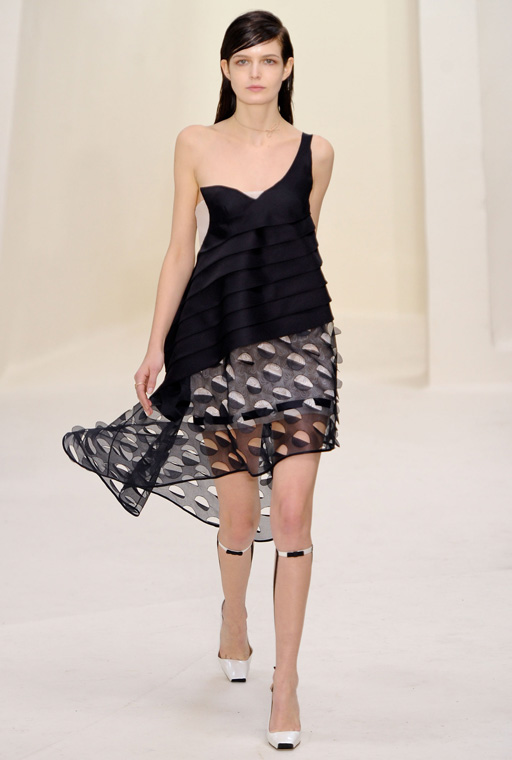 http://buro247.ru/thumb/512x760_8/Dior-HC-RS14-1673.jpg