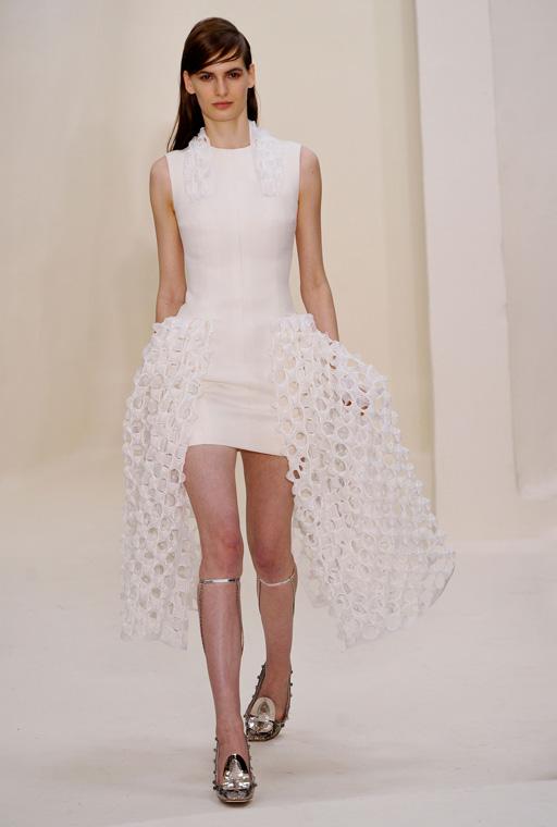 http://buro247.ru/thumb/512x760_8/Dior-HC-RS14-1846.jpg