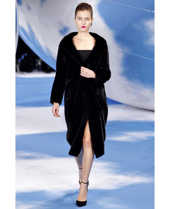 Показ коллекции одежды от Christian Dior сезона осень-зима 2013-2014 на неделе моды в Париже