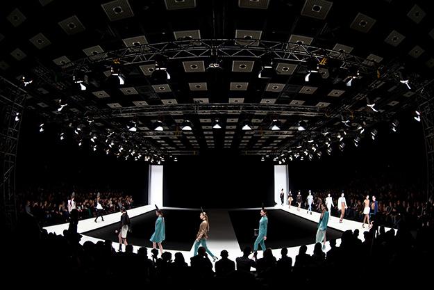 Видео 360 градусов с Mercedes-Benz Fashion Week