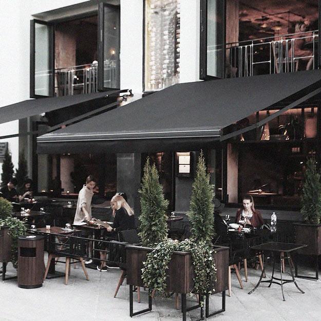 Пальма-де-Мальорка в Москве, бар с драфт-коктейлями и лучший вид на Большой театр — обзор лучших веранд Москвы