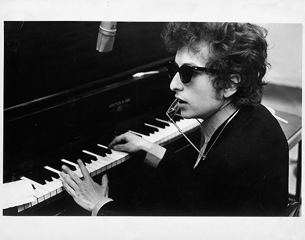 Боб Дилан не забрал денежный приз Нобелевской премии