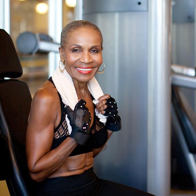80-летняя американка стала иконой бодибилдинга