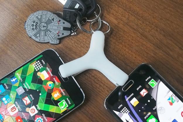 Есть контакт: смартфоны смогут передавать друг другу заряд