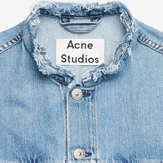 Acne Studios распродает архивные коллекции
