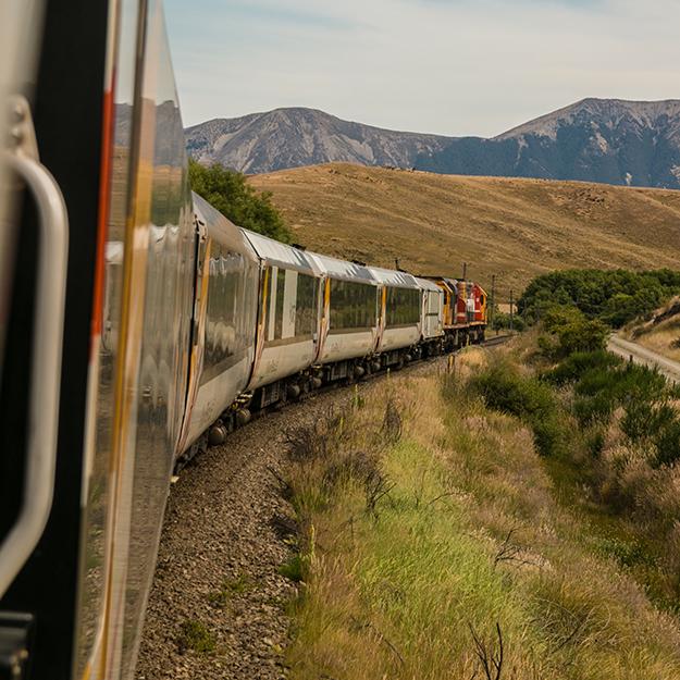 Google сейчас продаёт железнодорожные билеты