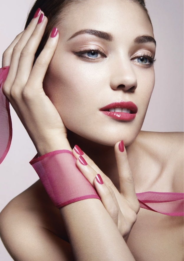 Bright Ribbon — новая коллекция Giorgio Armani