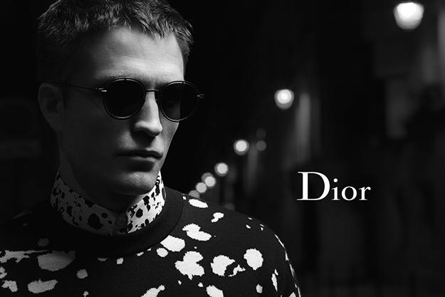 Dior отправил Паттинсона гулять поночном Парижу