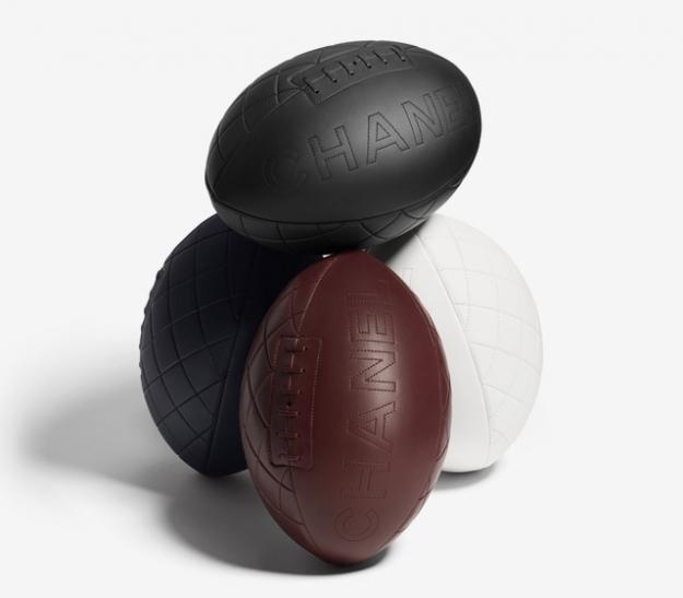 Chanel сделал мячи для регби