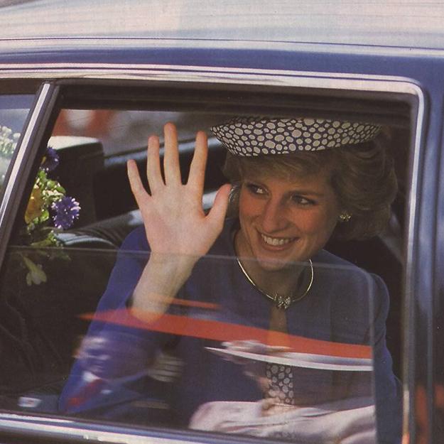 Встолице Англии готовят выставку коллекции платьев принцессы Дианы