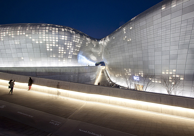 Dongdaemun Design Plaza в Сеуле