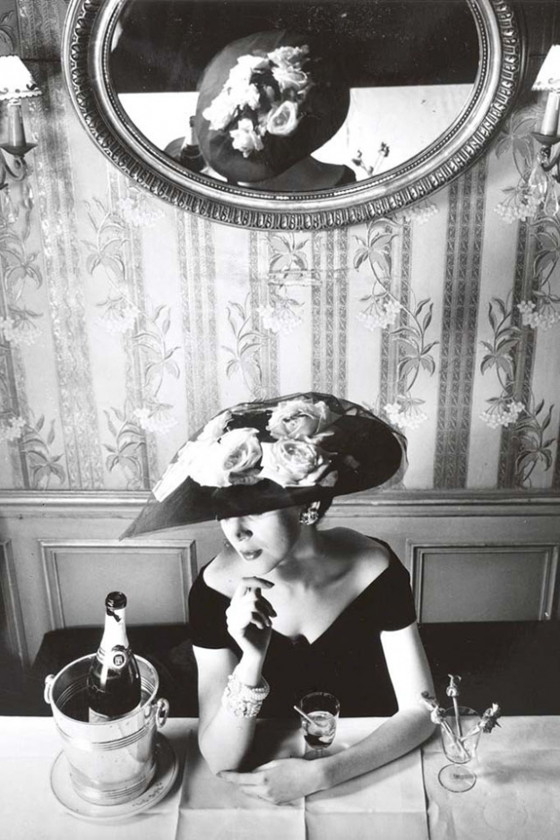 Hat from the Raout silhouette, Spring–Summer 1956 Haute Couture collection, Flèche line