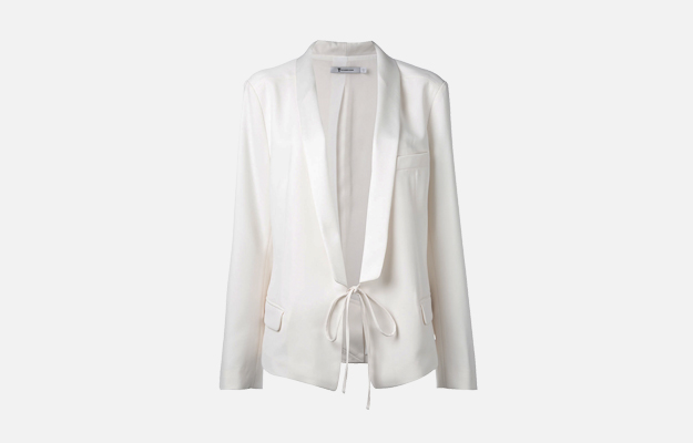 "Пиджак T by Alexander Wang<p><a target=""_blank"" href=""https://www.farfetch.com/ru/shopping/women/t-by-alexander-wang---item-11951723.aspx?storeid=9796&from=listing&tglmdl=1&ffref=lp_pic_7_5_"">Farfetch</a></p>"