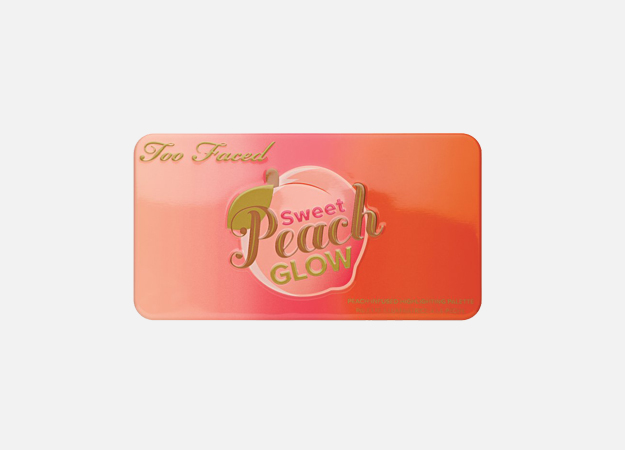 Sweet Peach Glow Peach-Infused Highlighting Palette от Too Faced, 2475 руб.