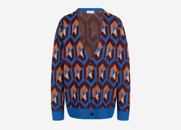 "Dries van Noten<p><a href=""https://www.tsum.ru/catalog/kardigany-2496/kardigan_s_v_obraznym_vyrezom_i_metallizirovannoy_nityu-5206348-color-siniy.html"" target=""_blank"" style="""">Tsum.ru</a></p>"