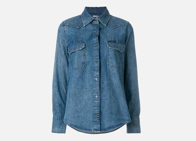 "Рубашка, Calvin Klein<p><a style="""" target=""_blank"" href=""https://www.farfetch.com/uk/shopping/women/calvin-klein-denim-shirt-item-12625265.aspx?utm_source=Hy3bqNL2jtQ&utm_medium=affiliate&utm_campaign=Linkshareuk&utm_content=10&utm_term=UKNetwork"">farfetch.com</a></p>"