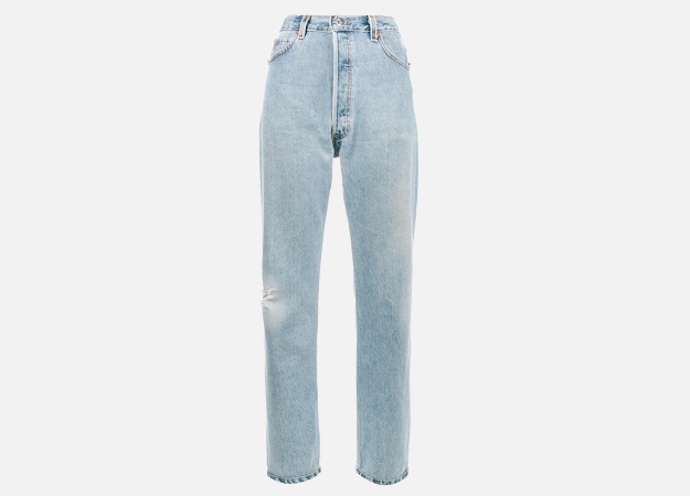 "Джинсы, Re/done<p><a style="""" target=""_blank"" href=""https://www.farfetch.com/uk/shopping/women/re-done-levi-s-ultra-high-rise-boyfriend-jeans-item-12325441.aspx?utm_source=Hy3bqNL2jtQ&utm_medium=affiliate&utm_campaign=Linkshareuk&utm_content=10&utm_term=UKNetwork"">farfetch.com</a></p>"