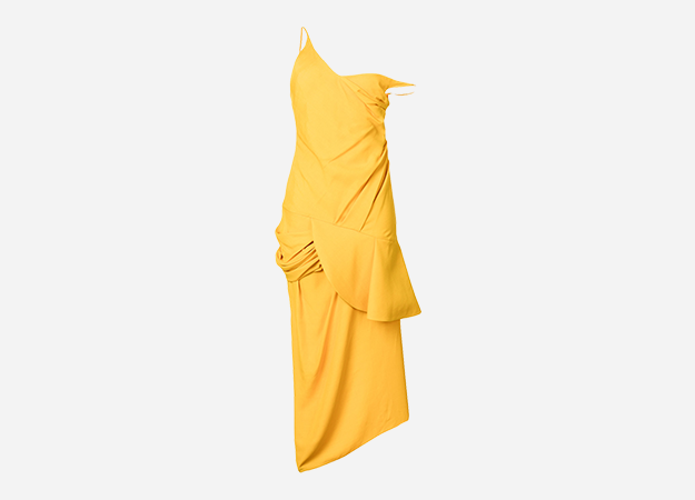 "Платье<p><a style="""" target=""_blank"" href=""https://www.farfetch.com/ru/shopping/women/jacquemus---item-12770691.aspx?storeid=9442&from=1"">farfetch.com</a></p>"