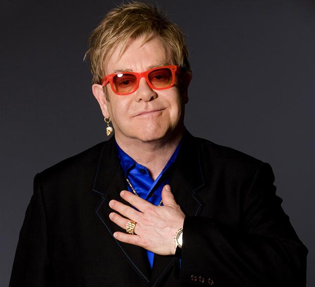Elton John ha annunciato un boicottaggio di Dolce & Gabbana