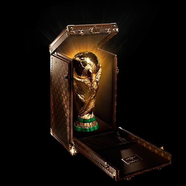 Louis Vuitton создали чемодан для футбольного Кубка мира