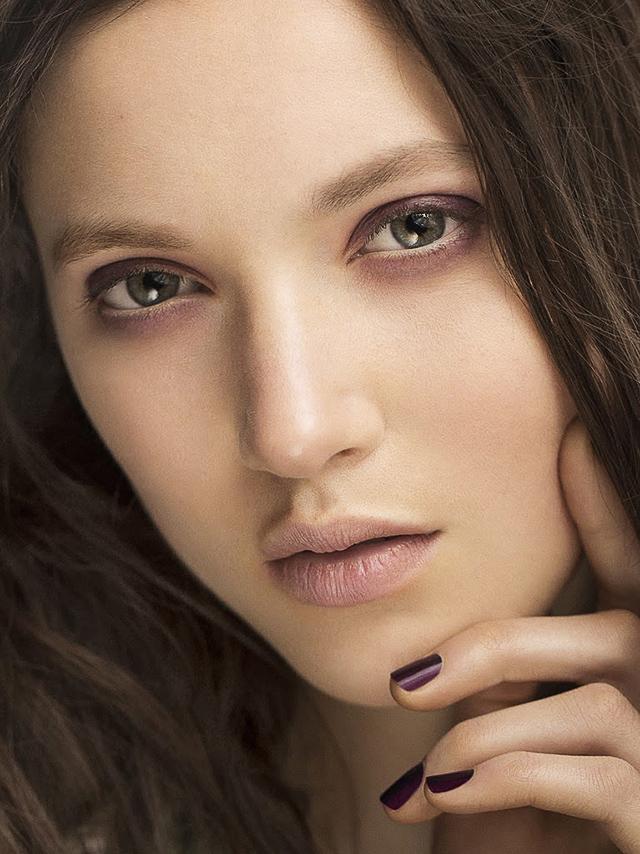 Осенняя коллекция макияжа Bloomsbury Girls от Burberry