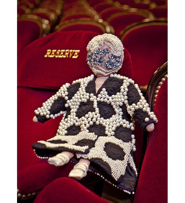 Дизайнеры создали 44 куклы для благотворительного аукциона UNICEF