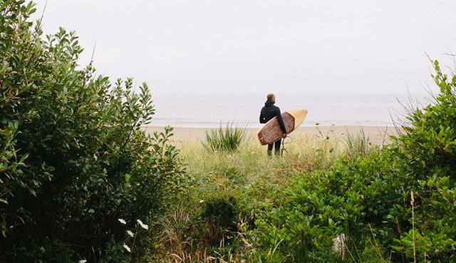 Серфинг как искусство: деревянные доски Ottovo x Jason Tilley